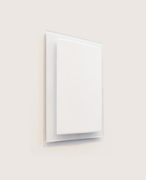 Inwall_white_glass_presentation_SD